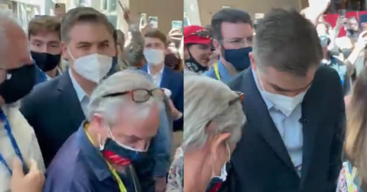 Watch: CPAC Crowd Surrounds Jim Acosta, Starts Chanting 'CNN Sucks!'
